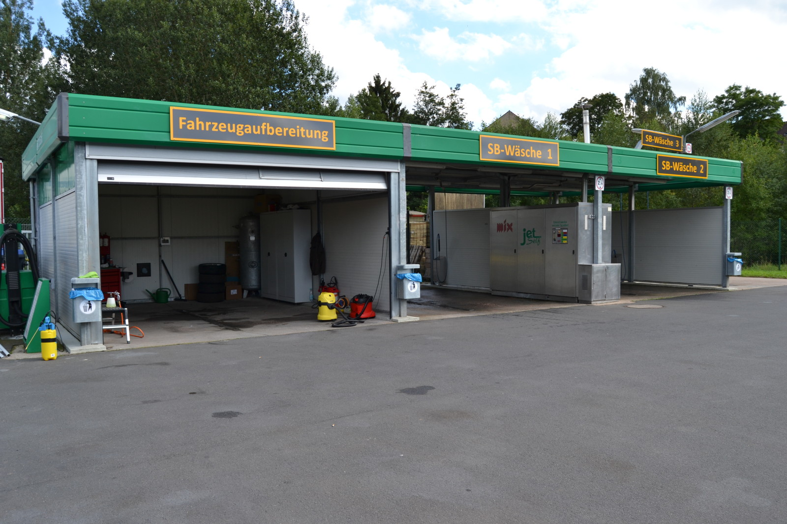 Fahrzeugaufbereitung und SB-Waschboxen